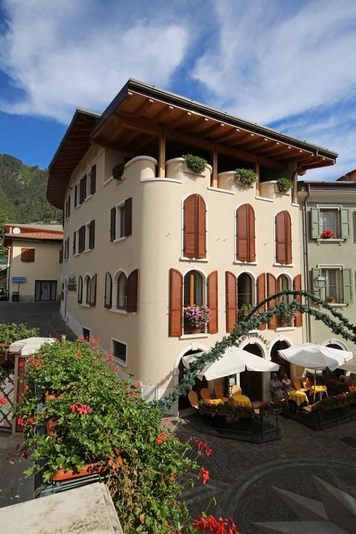 Hotel Tignale